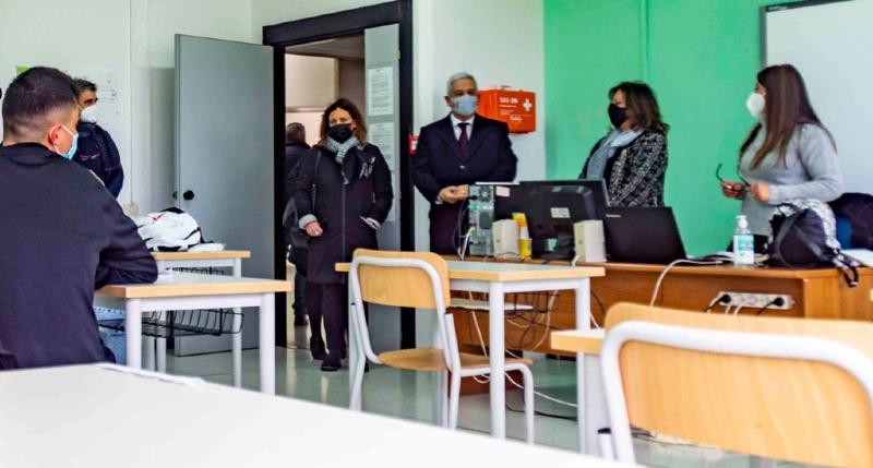 """Riapertura licei, il sindaco di Rende Manna_ """"essenziale didattica in presenza. Subito screening e utilizzo app Unical per tracciamento"""""""