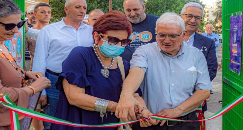 Rende, inaugurato il Parco dei Nonni. Intitolato l'anfiteatro al penalista Sorrentino